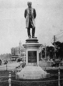 Robert Hart statue