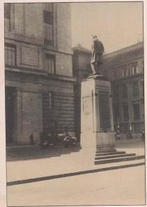 statue1928